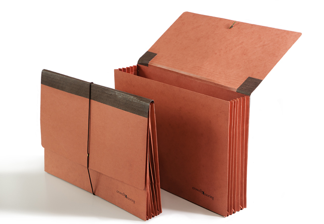 Reinforced gussets, extra heavy-duty materials, durable end tabs and more. Available in all sizes.